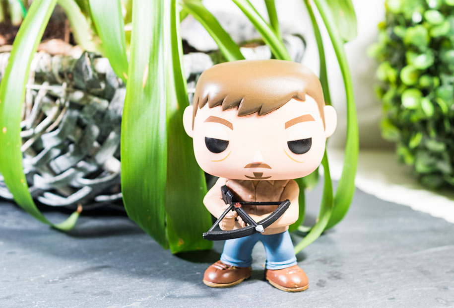 Zoom sur la figurine POP Daryl de The Walking Dead