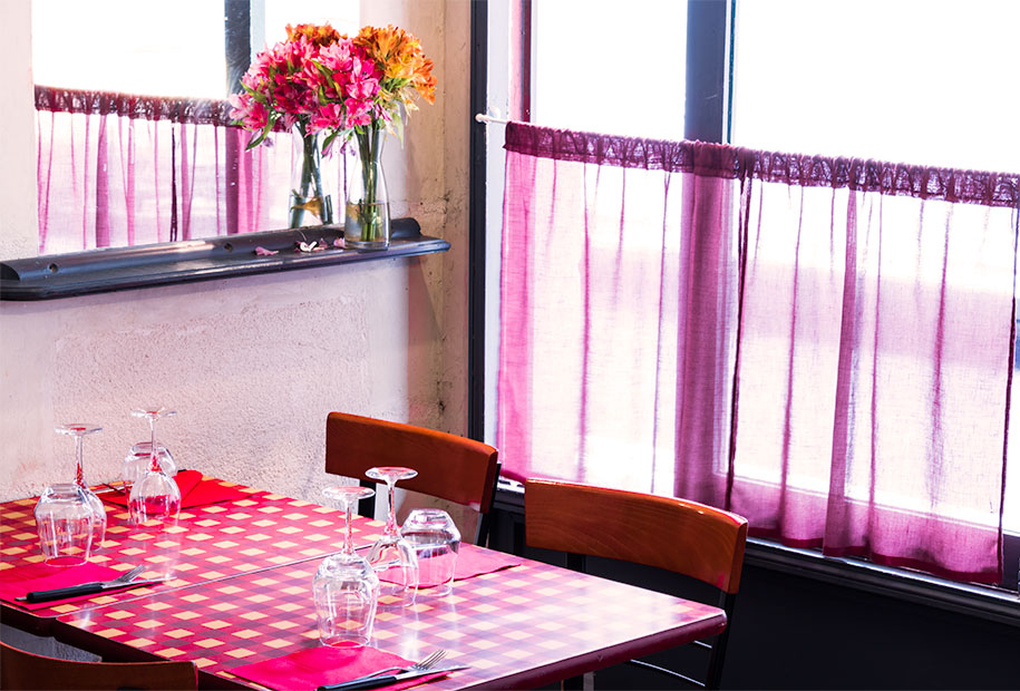 Zoom sur une partie de l'intérieur du restaurant le Frenchy's Burger