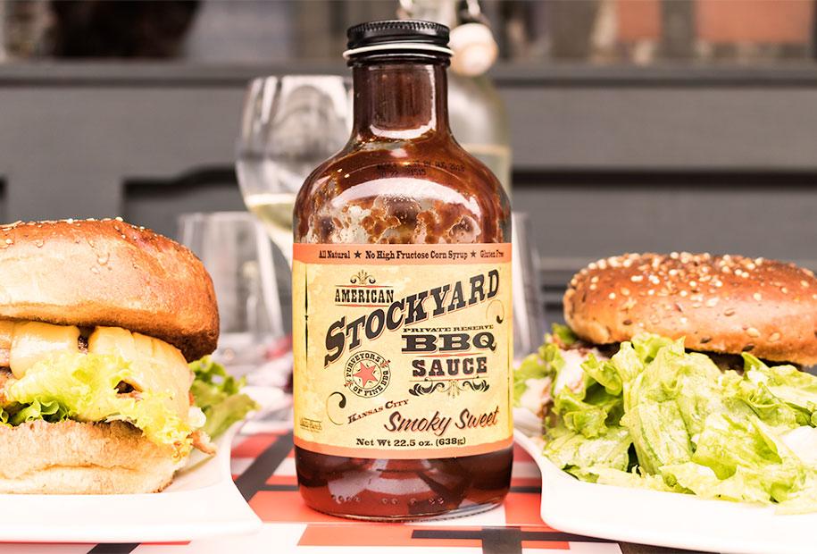 Zoom sur la délicieuse sauce BBQ du Frenchy's Burger de Tours