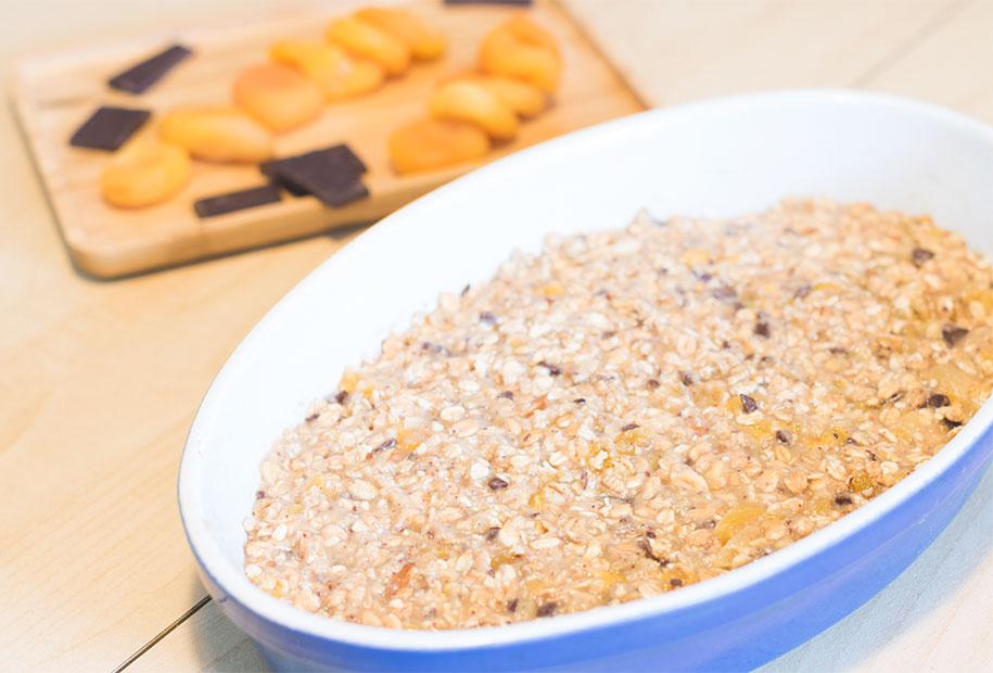 Zoom sur la préparation des barres de céréales avant cuisson