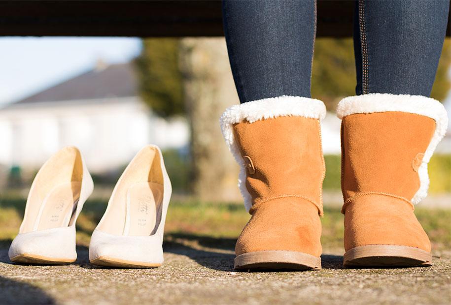 Boots en moumoute camel ou escarpins beige pour les fêtes