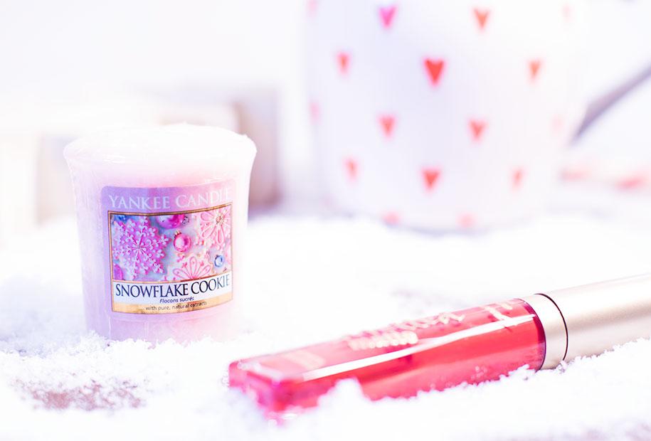 Zoom sur la bougie rose au cookie de la marque Yankee Candle