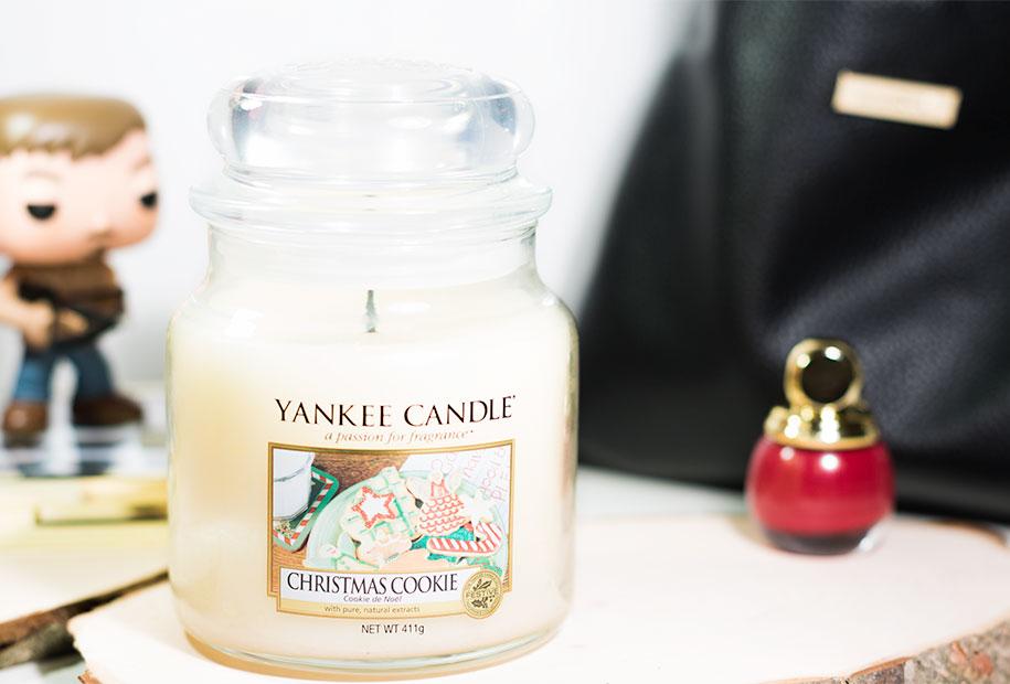 Zoom sur la bougie au parfum de cookie de la marque Yankee Candle