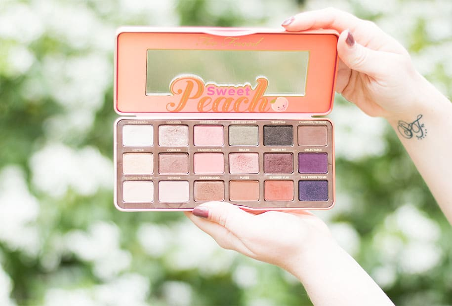 Zoom sur les fards de la Sweet Peach palette de Too Faced