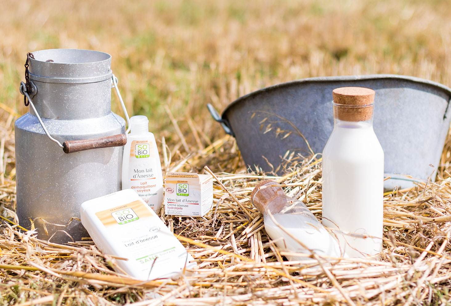 Ensemble des produits démaquillant, crème et gel douche, de la gamme Mon lait d'Ânesse de SO'BiO étic