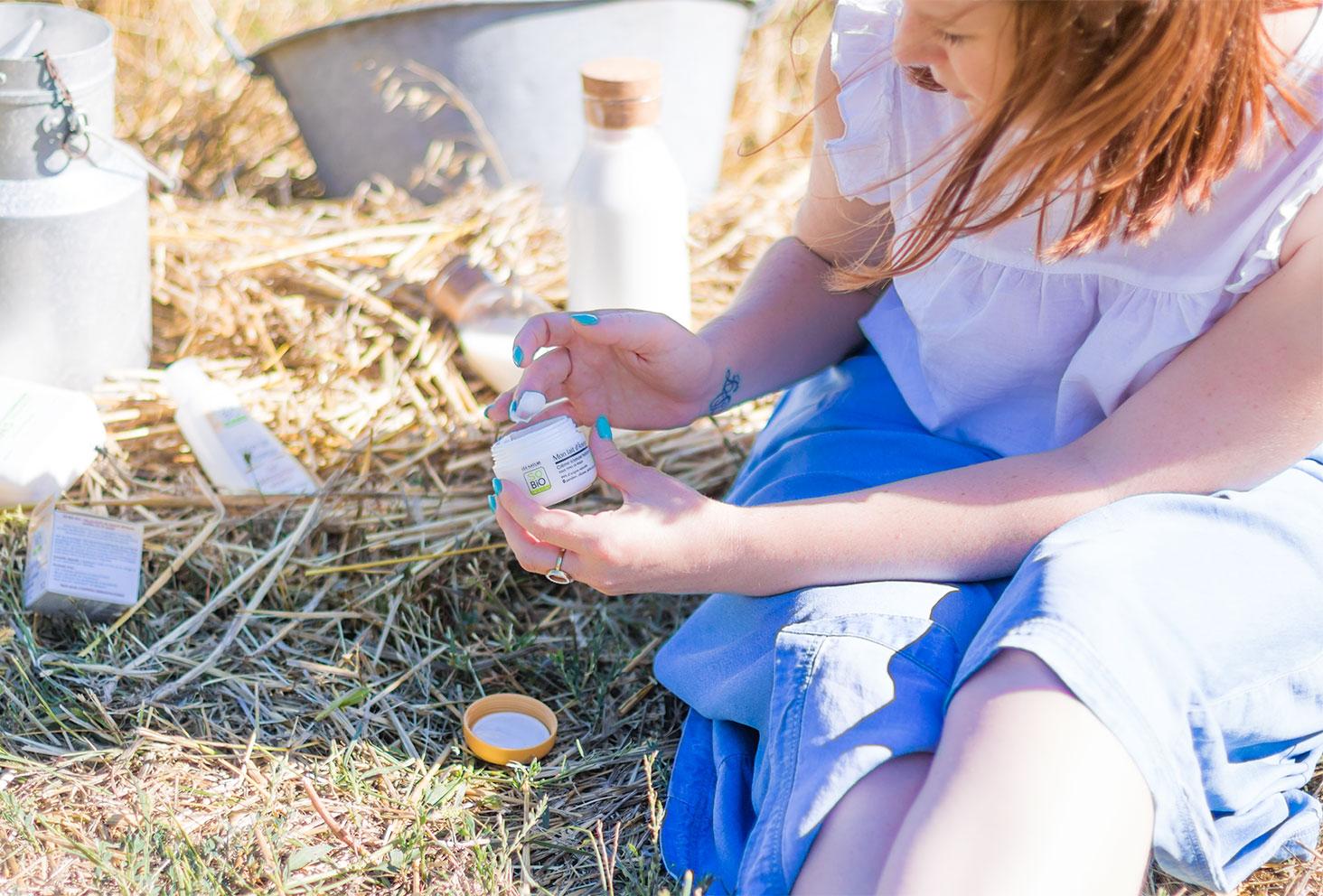 Utilisation de la crème visage au lait d'ânesse de la gamme Mon lait d'Ânesse de la marque SO'BiO étic