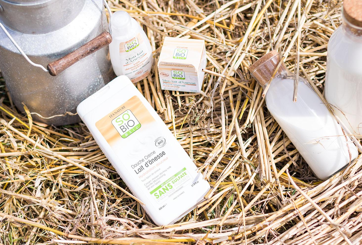 Présentation de la crème de douche au lait d'ânesse de la gamme Mon lait d'Ânesse de la marque SO'BiO étic
