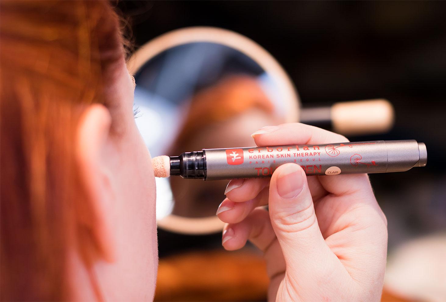 Zoom sur l'embout en mousse du Touch pen par Erborian