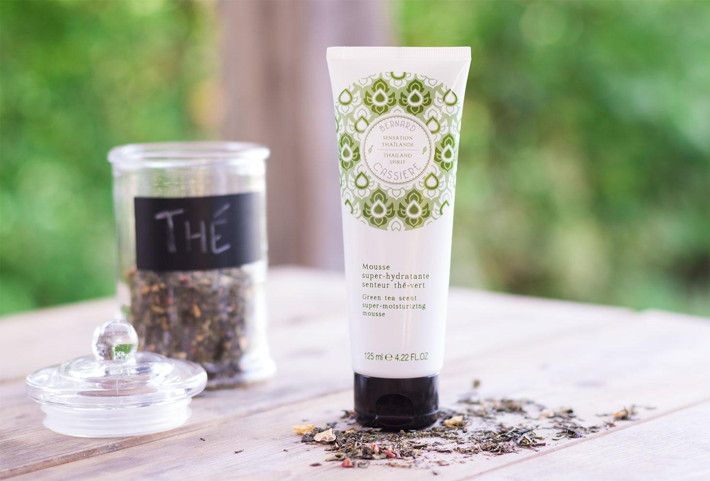 Zoom sur la mousse hydratante au thé vert de la gamme Sensation Thaïlande de Bernard Cassière