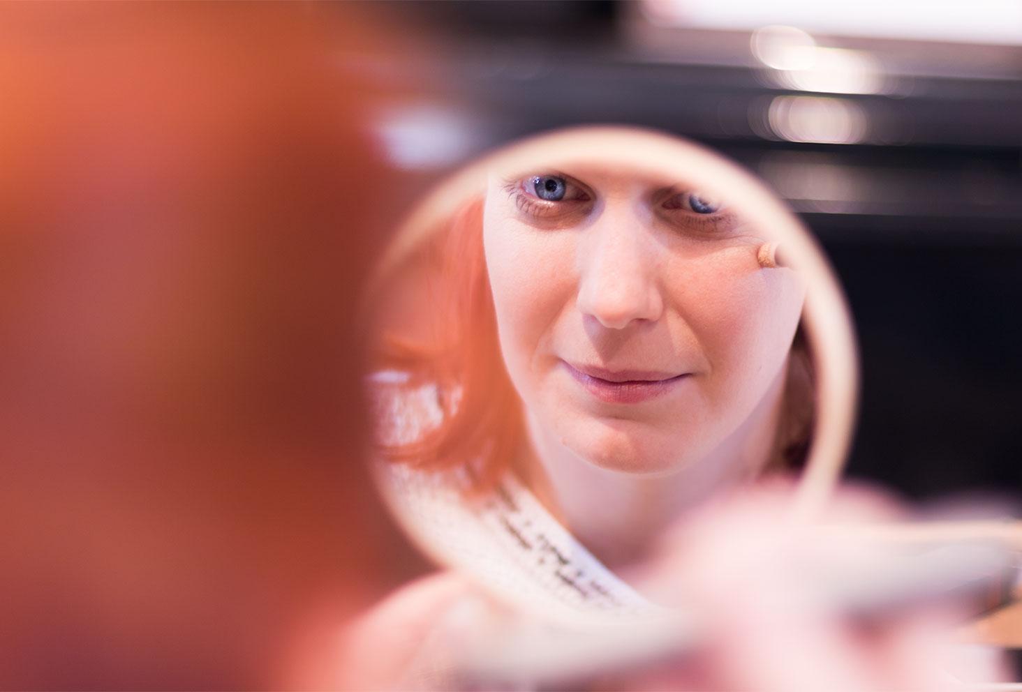 Zoom sur le reflet du miroir pendant l'utilisation du Touch Pen par Erborian
