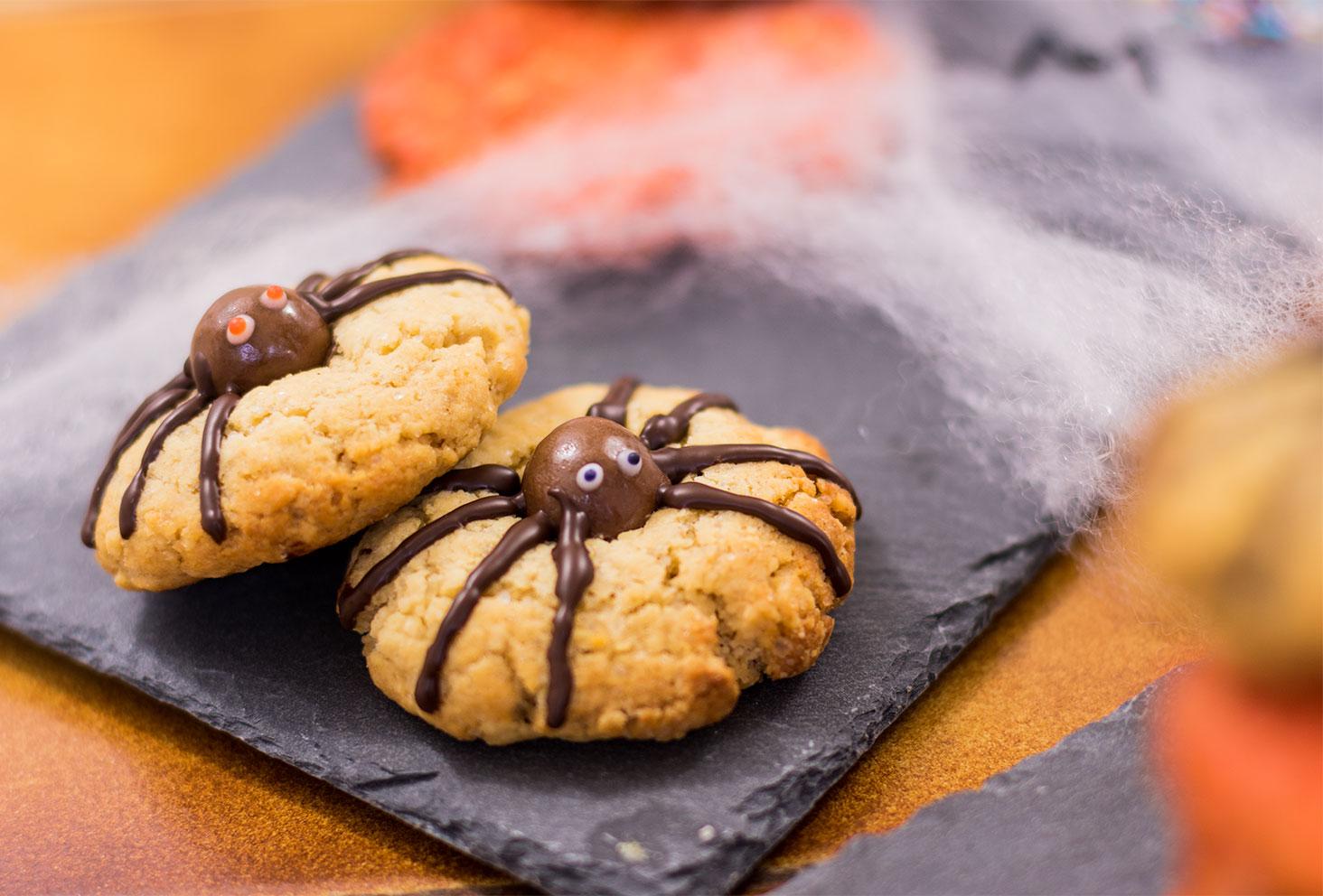 Zoom sur les cookies araignées d'Halloween