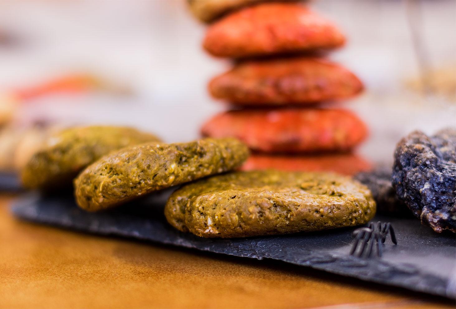 Zoom sur les cookies vert d'Halloween
