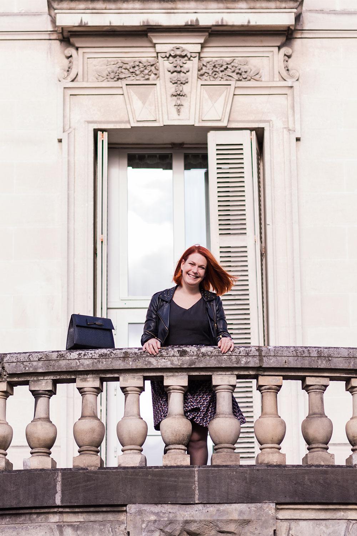 Look Nejide en haut du balcon