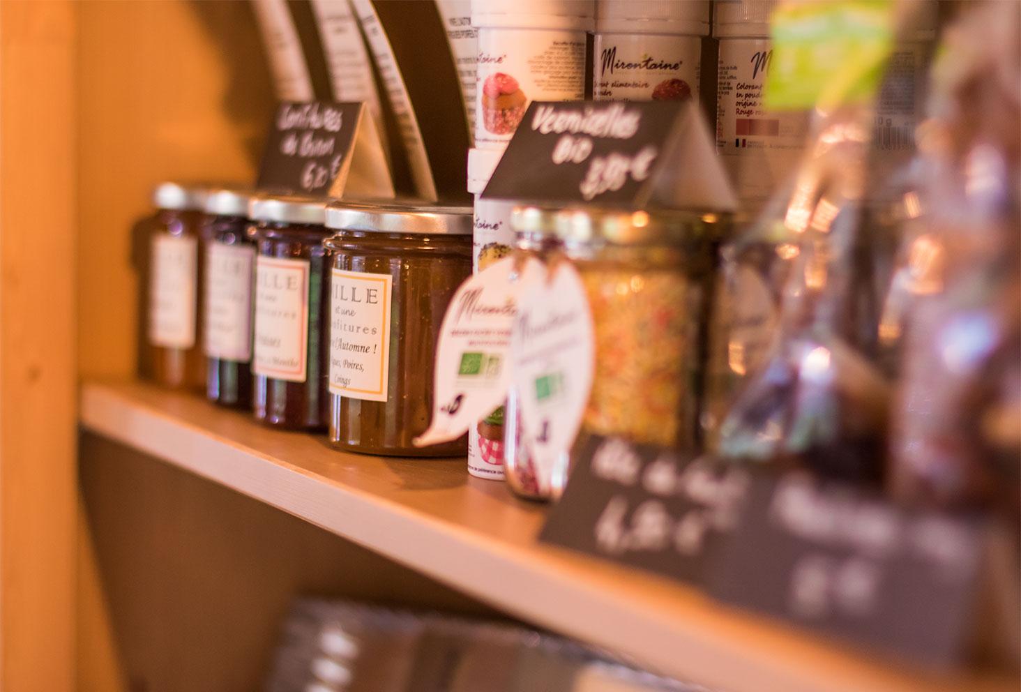Zoom sur les produits en vente chez Quand Julie Pâtisse