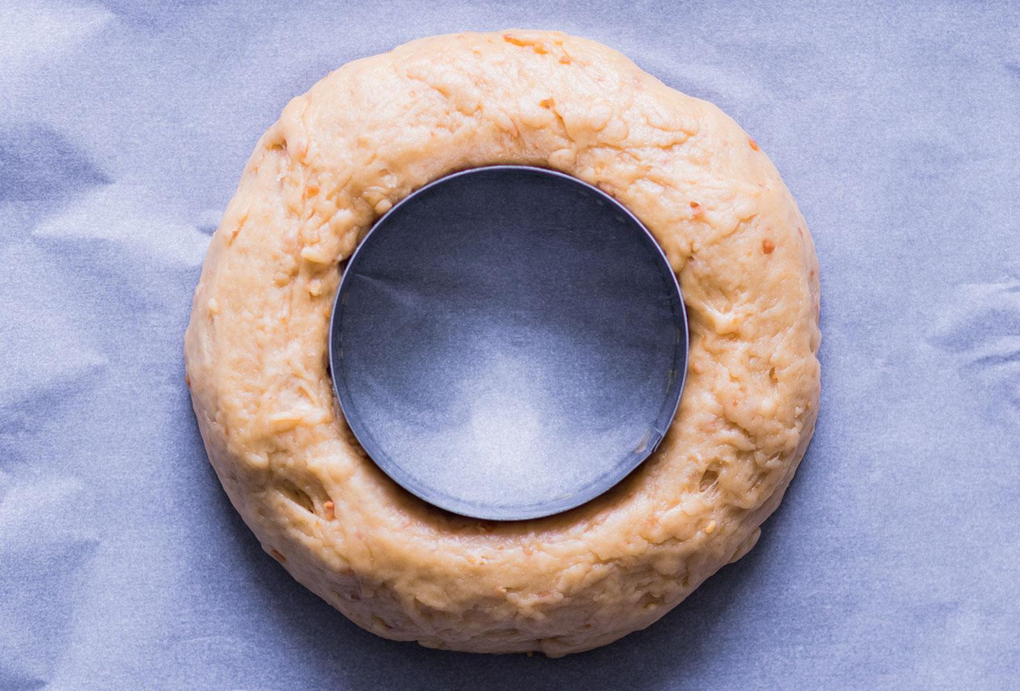 Résultat de la pâte crue de la couronne des rois au beurre de cacahuètes