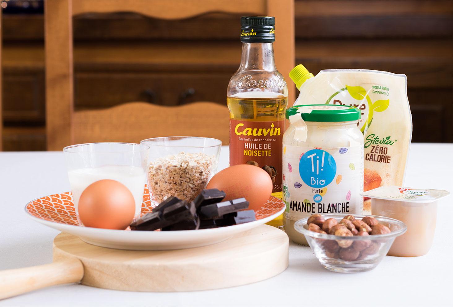 Ensemble des ingrédients nécessaires à la réalisation de crêpes et de pâtes à tartiner maison
