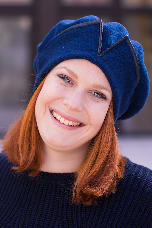Portrait sourire avec le béret bleu Falbalas Saint Junien