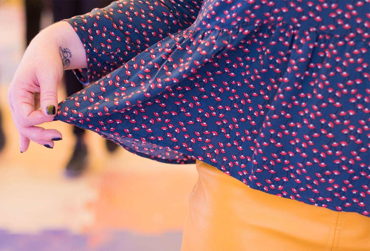 Zoom sur les détails de la blouse La Morue
