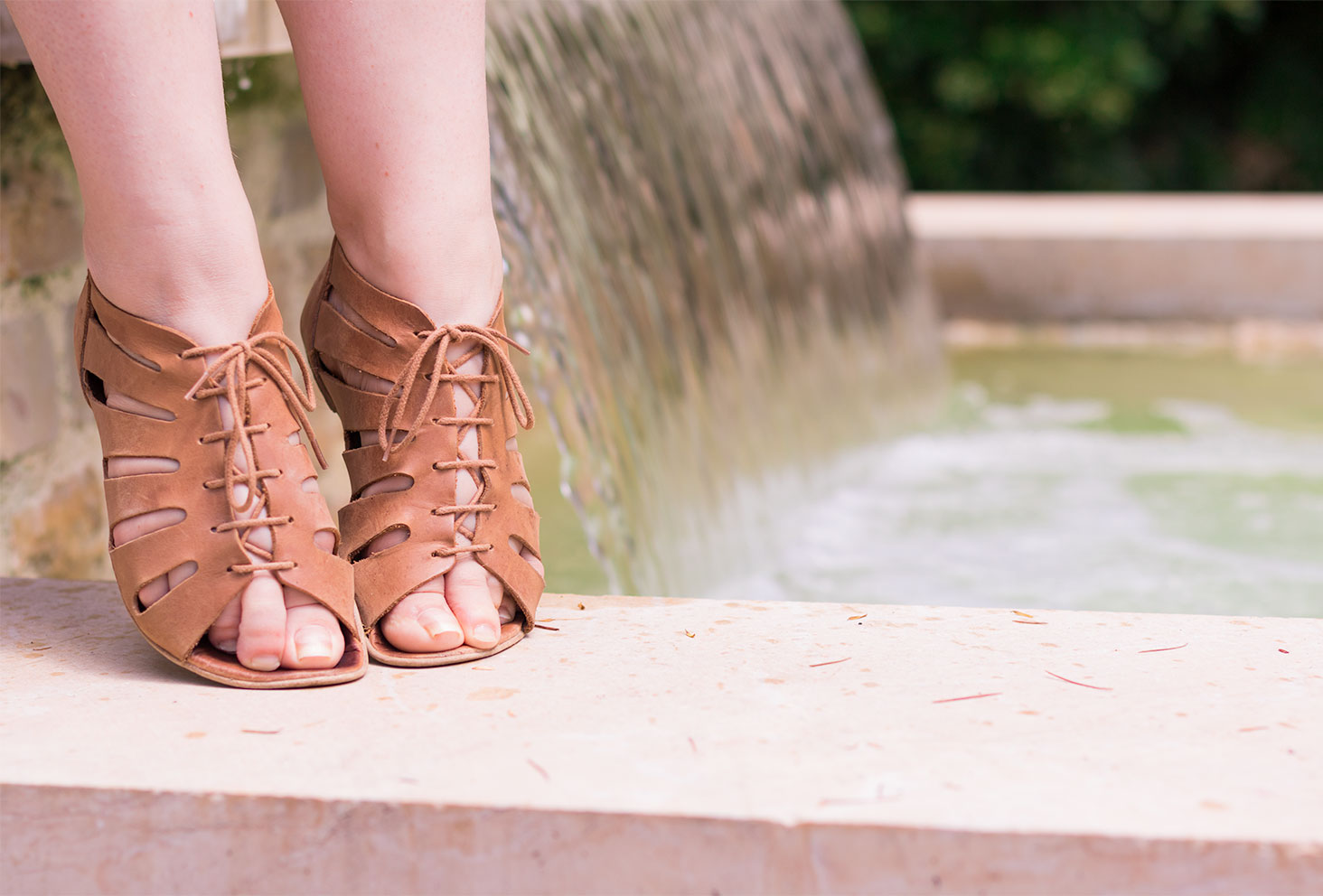 Zoom sandale camel à lacets Zara