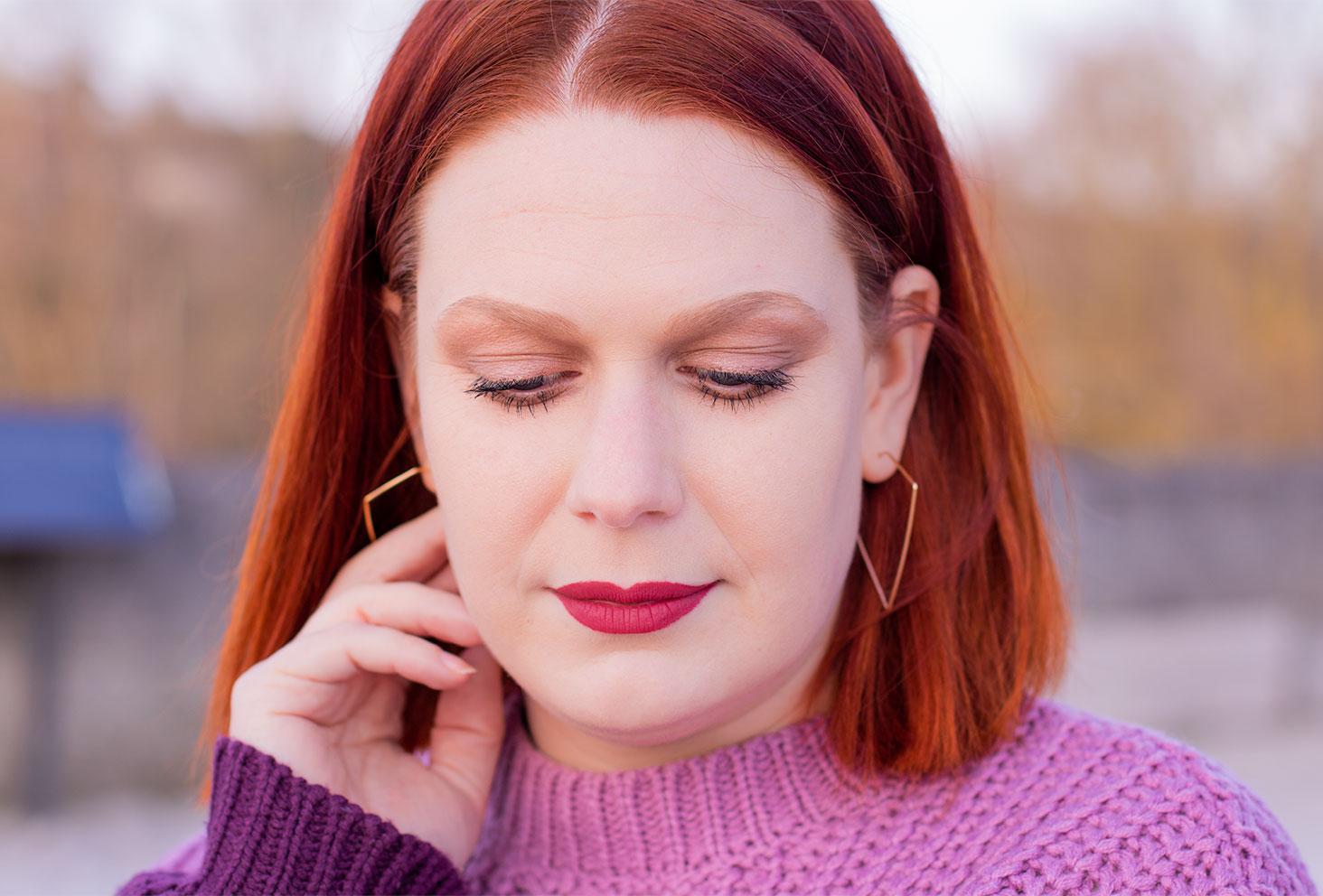 Résultat d'un maquillage à petit prix réalisé avec une palette Wet'n'wild et d'un rouge à lèvres nude NYX