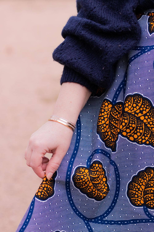 Zoom bracelets Daniel Wellington avec les motifs de la jupe Aurore bleue de la marque Maison Elpida