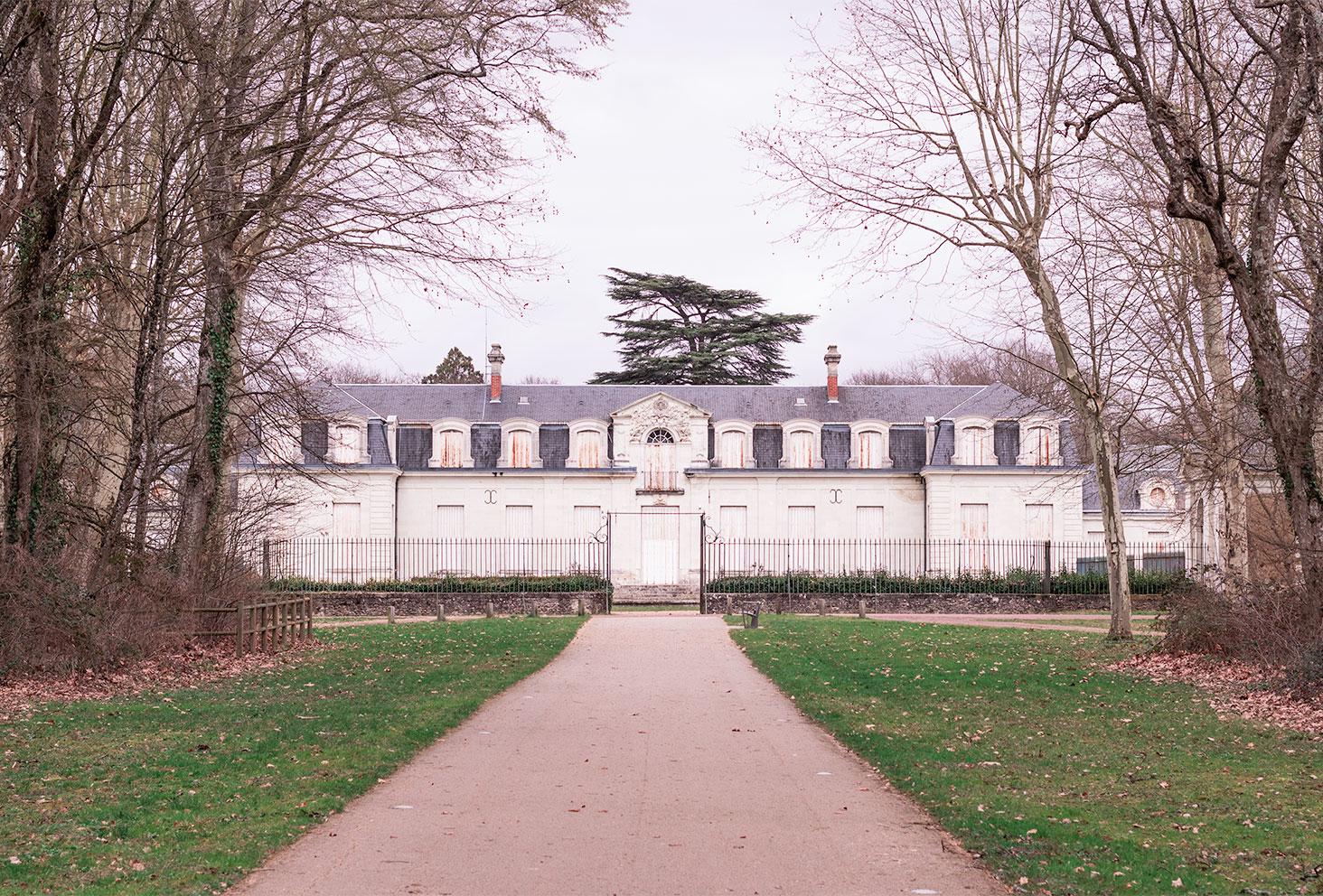 Le château de Chambray-les-tours de face