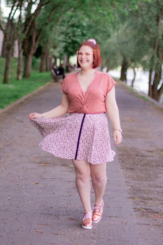 En jupe avec le sourire, en balade sur les bords de Loire