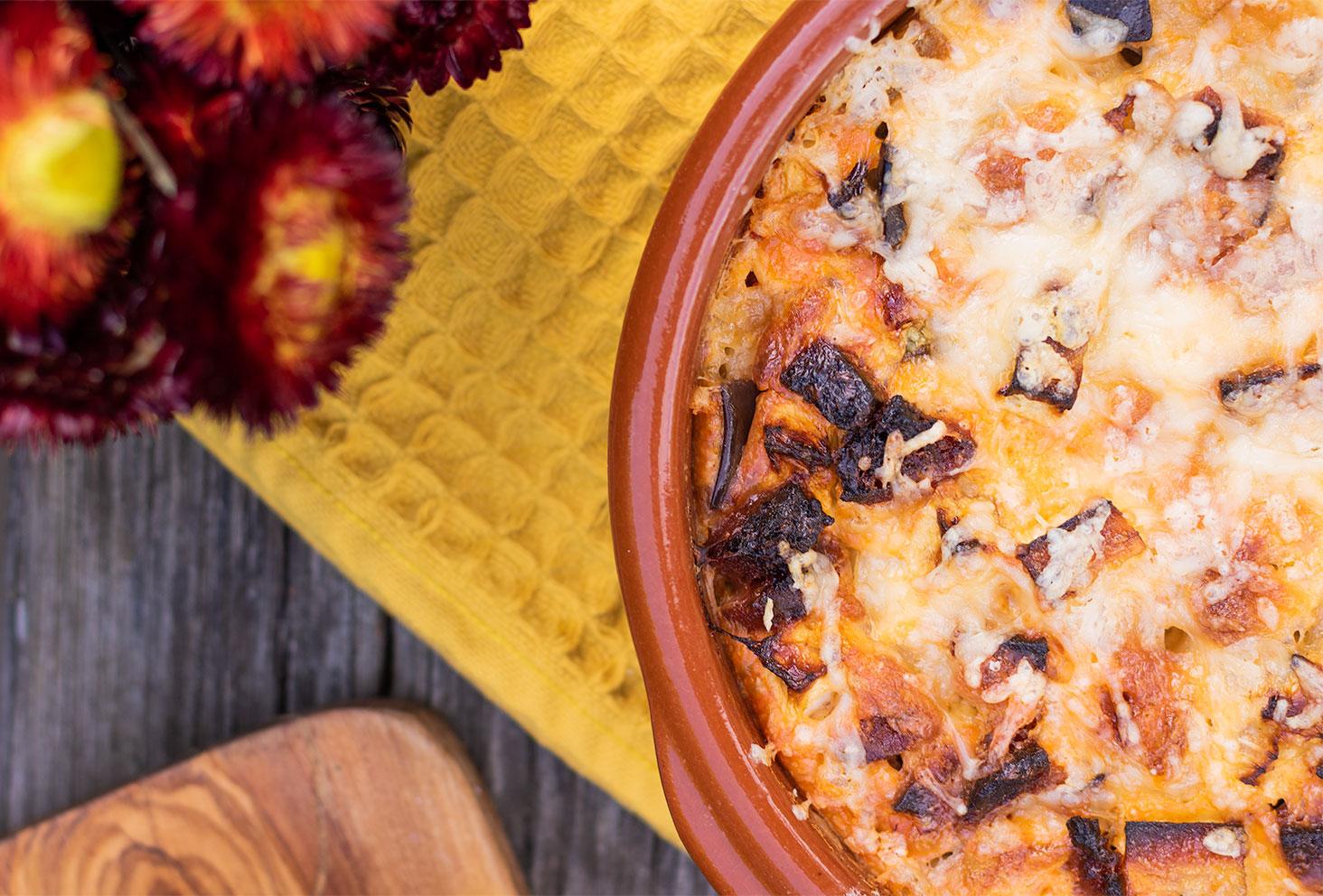 Méga zoom sur la texture gratiné du clafoutis salé aubergine et chorizo