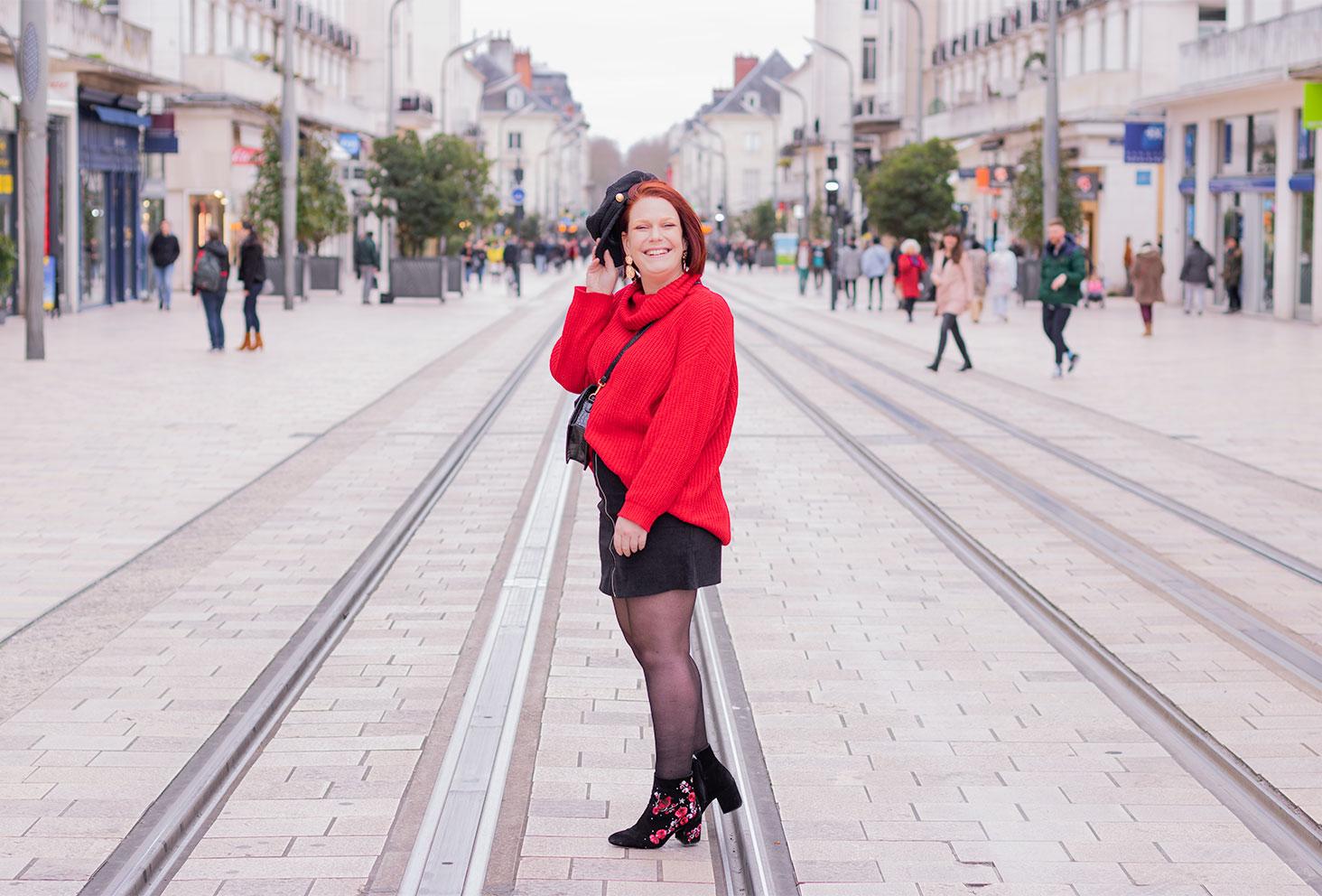 Look rouge et noir pour parler de chien de la casse et harcèlement de rue