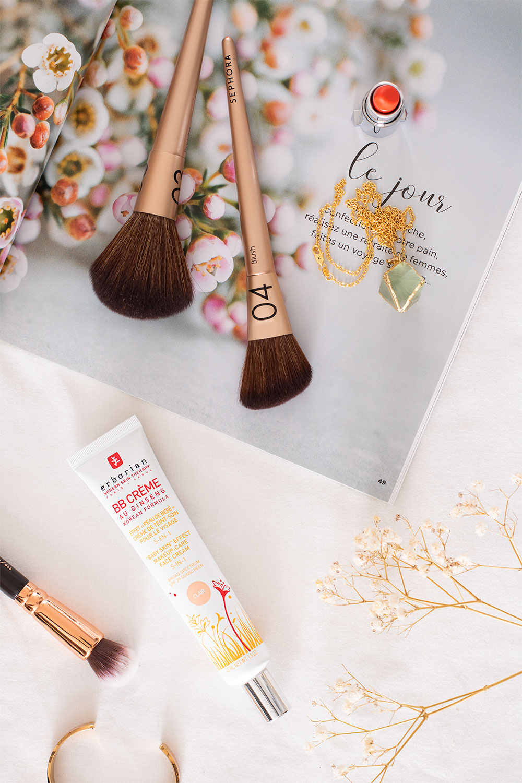 La BB crème Erborian dans une mise en scène maquillage blanche