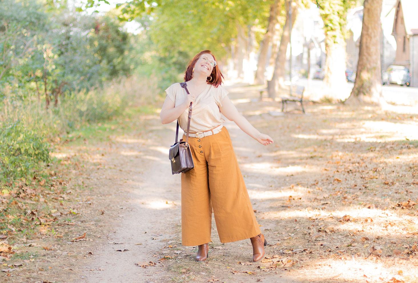 Sur les bords de Loire pour un look de rentrée aux couleurs de l'automne, un camaïeu de marron