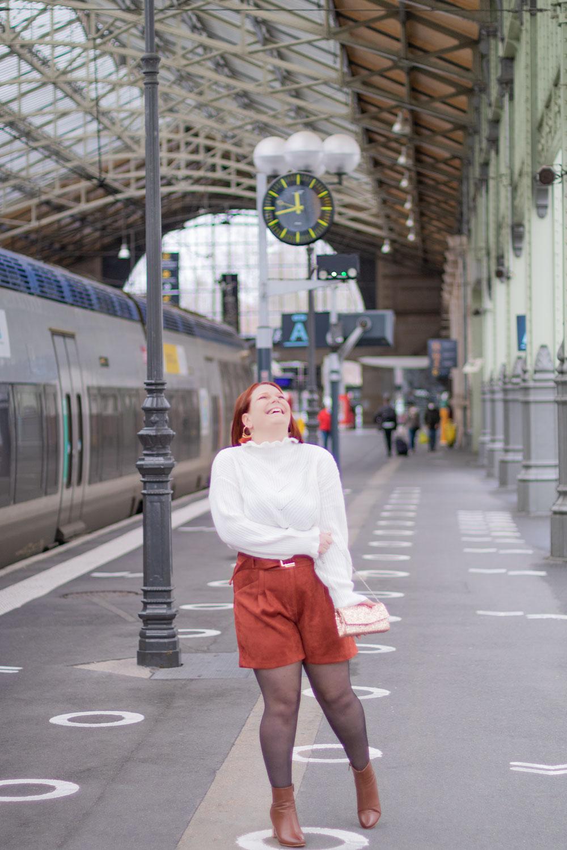 Look de fêtes 2020, à la gare de Tours, avec le sourire