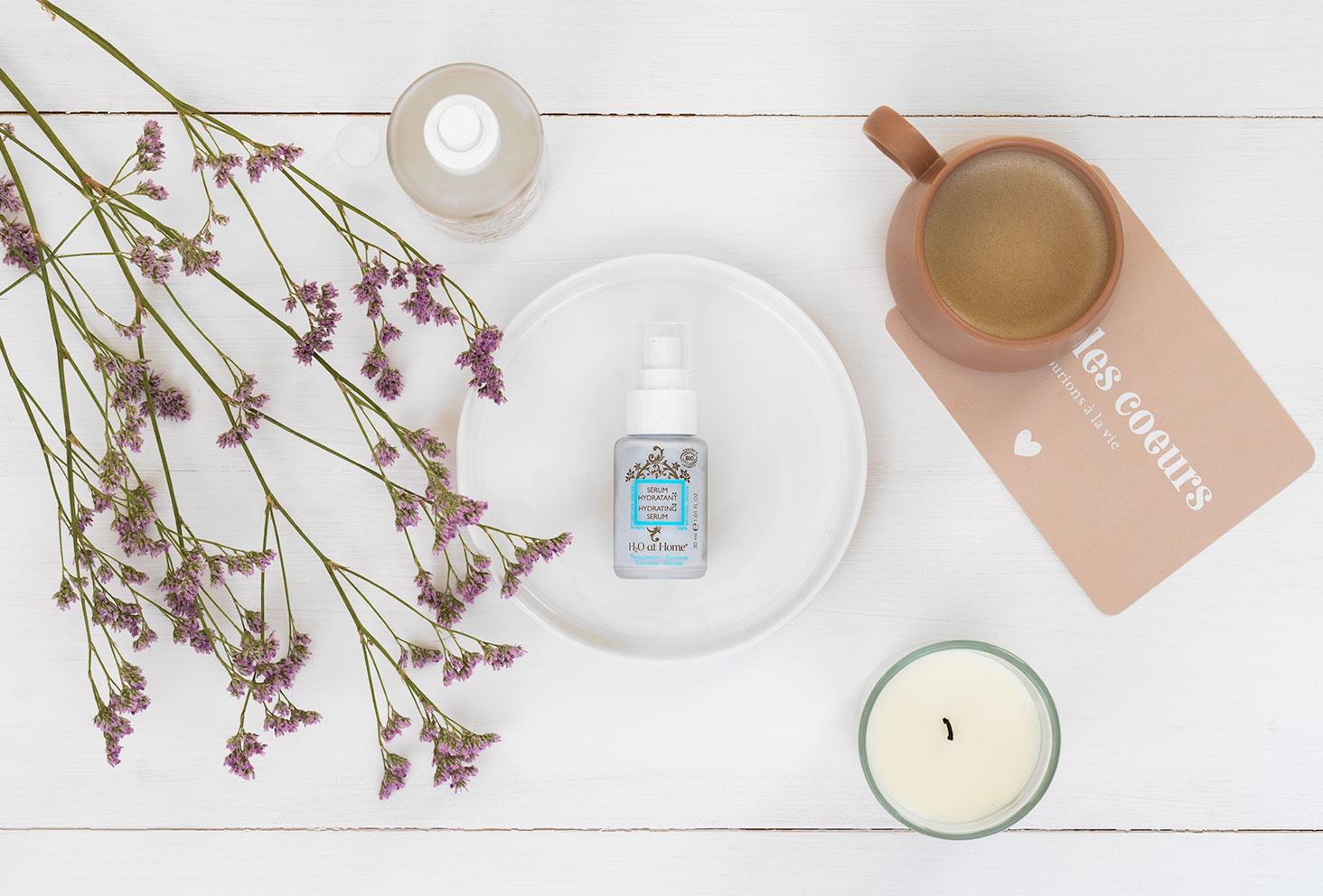 Le sérum hydratant H2O At Home dans la routine parfaite pour les peaux sèches