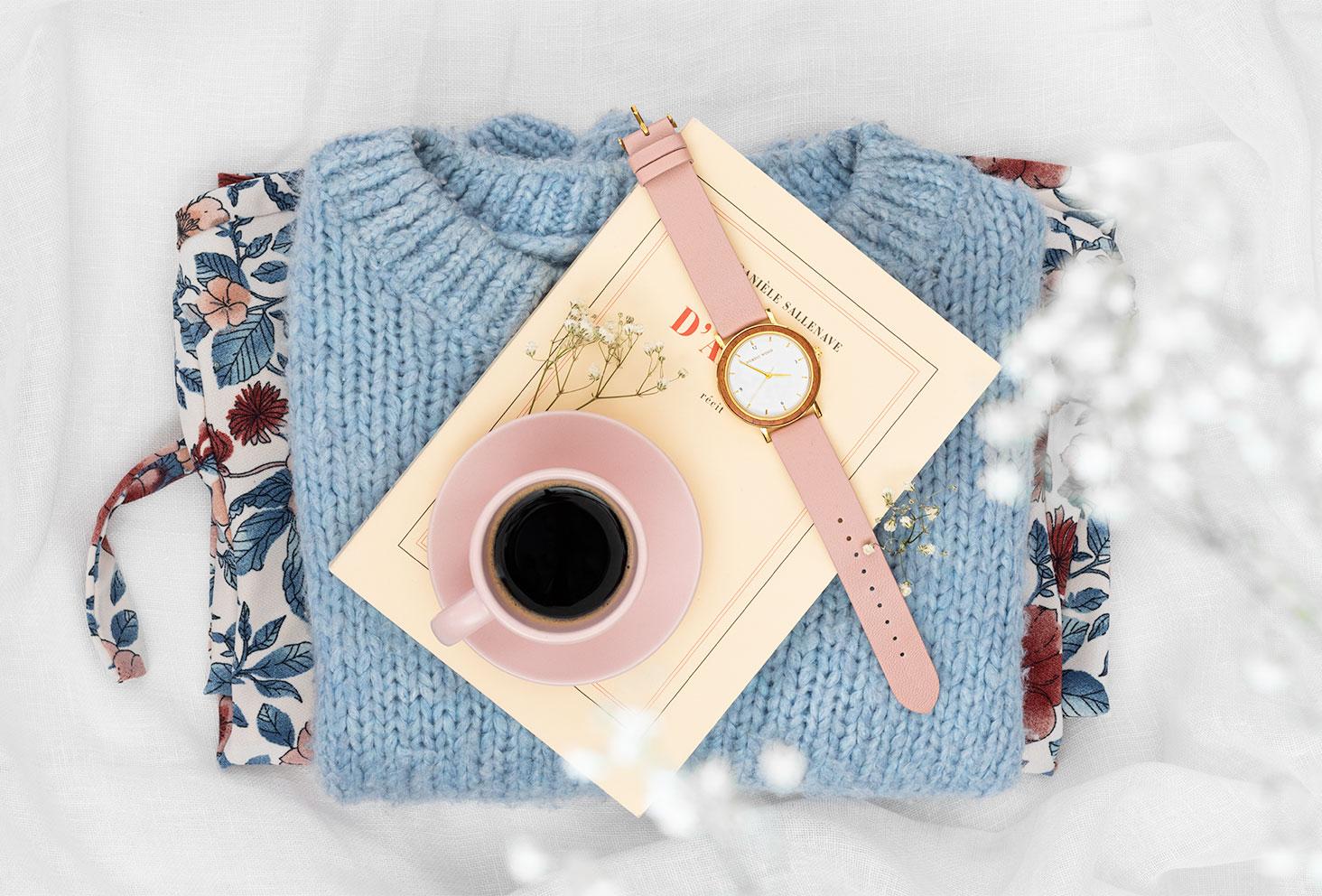La montre en bois et en cuir Pure Pink de Nordic Wood dans un doux décor pastel